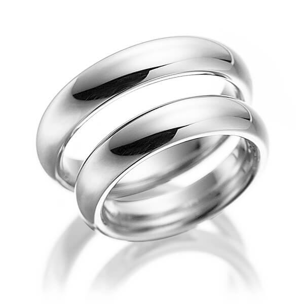 Alliance de mariage en or blanc de chez Acredo