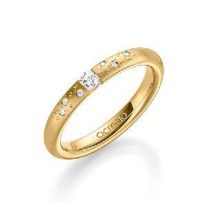Bague de fiançailles par cher avec diamants