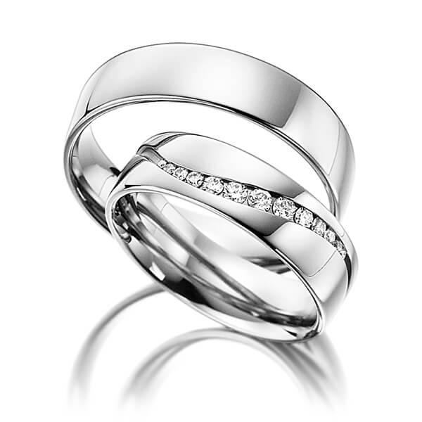 Bagues de mariage large en or blanc et diamants en forme de vague